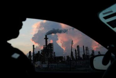 As empresas não enfrentarão qualquer sanção por poluir o ar ou a água.